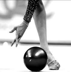 yana kudryavtseva's (rus) beautiful lines with ball | 2015 moscow grand prix [photo credit: oleg naumov]