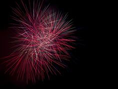 Whether you use a smartphone, compact camera or dSLR, here are some tips to help you take great photos of fireworks on the July 4 holiday.