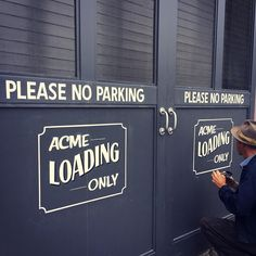 「Some classic signs for the fine folks at Acme Bread in Berkeley.」