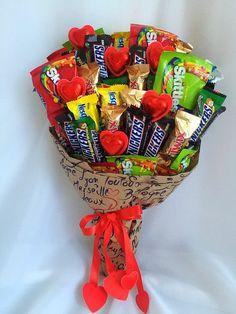 Ideas For Cupcakes Cakes Ideas Valentines Day Bouquet Cadeau, Candy Bouquet Diy, Food Bouquet, Gift Bouquet, Birthday Candy, Birthday Gifts, Homemade Gifts, Diy Gifts, Candy Gift Baskets