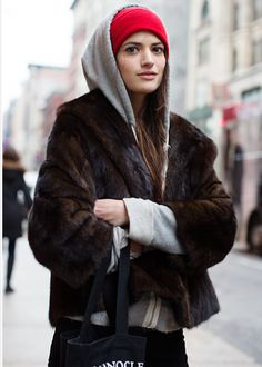 The Sartorialist..this woman always looks great. Sudaderas c7e81f3bf0e