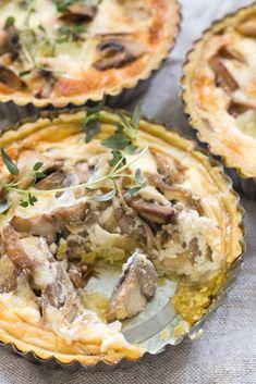 Bezlepkový quiche se žampiony a cibulí Quiche, Savoury Cake, Spanakopita, Pizza, Gluten Free, Cooking, Ethnic Recipes, Food, Cakes