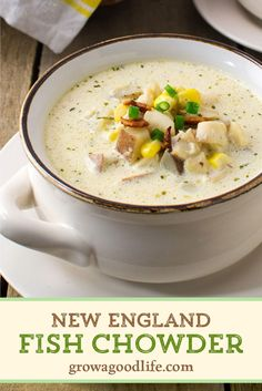 Creamy New England Fish Chowder This rich and creamy fish chowder uses simple ingredients and tastes like restaurant quality. Chowder Recipes, Seafood Recipes, Soup Recipes, Cooking Recipes, Healthy Recipes, Seafood Soup, Cooking Fish, Seafood Dinner, Gourmet
