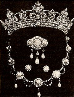 "The Rundell Tiara & Parure. A wedding present to Princess Alexandra ""Alix"" (Alexandra Caroline Marie Charlotte Louise Julia) (1844-1925) Denmark on her marriage to the Prince Albert Edward (King Edward VII) (1841-1910) Prince of Wales, UK."
