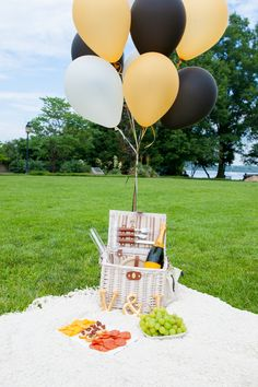 Need to do this--set up a picnic for your engagement photos!   Photograph by Natarsha Wright Photography
