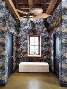 The Old Rectory Hotel in Plettenberg Bay, South Africa Living Room Goals, Living Room Decor, Arte Wallcovering, Flamingo Wallpaper, Diy Wall Decor, Home Decoration, Diy Décoration, Florida Home, Guest Bath