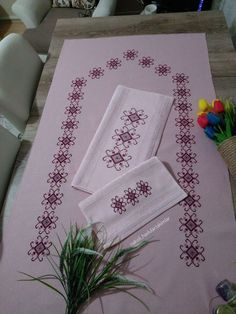 Diy Projects Crafts – All in Ideas Cross Stitch Bird, Cross Stitch Designs, Cross Stitch Patterns, Baby Knitting Patterns, Crochet Patterns, Bernat Softee Chunky Yarn, Crochet Frog, Handmade Wedding, Embroidery Stitches
