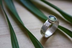 Filicophyta ring, fern etched jewelry in sterling silver and chrysoprase