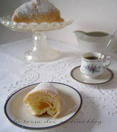 Croissants sfogliati da riempire con crema pasticcera, Nutella