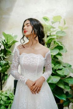 8193c86e505 Aline Wedding Dress Long Sleeves Bridal Gown Vintage Wedding Gown Floral  Lace Chapel Train