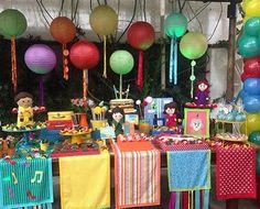 Festa muito linda e super colorida com dois temas bacanas: Detetives do Prédio Azul e Artes! Adoro toalhas coloridas e prrsonalizadas no tema da festa. Por @minimimofestas  #kikidsparty