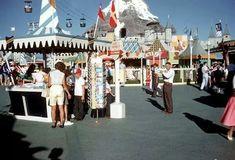 Gorgeous old photo of Disneyland #vintagedisney #vintage #vintagephoto #disneyland #waltdisney