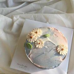 Pretty Birthday Cakes, Pretty Cakes, Beautiful Cakes, Amazing Cakes, Mini Cakes, Cupcake Cakes, Korean Cake, Pastel Cakes, Think Food