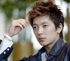 http://asianfanatics.net/gallery/archived/Korean_Male/Hwang_Young_Min/Tim_158.jpg