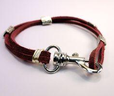 CosplaySupplies.com -- Tutorials > Easy Suede Lace Bracelet