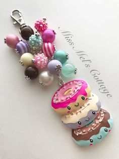 Adorable Sweet Donuts Zipper Bag Charm/Keychain with bead dangle/purse/backpack/planner/car rearview mirror/fan charm/donut charm by MissMelsCottage on Etsy Diy Jewelry Keychain, Clay Jewelry, Beaded Jewelry, Keychain Ideas, Jewlery, Diy Jewelry Making Tools, Paper Clip Art, Chunky Beads, Organza Gift Bags