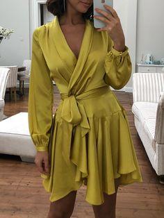 Shop for Yellow Dresses -Fashion online Semi Casual Dresses, Simple Dresses, Short Dresses, Semi Casual Outfit Women, Dress Outfits, Fashion Dresses, Mode Chanel, Silky Dress, Denim Shirt Dress
