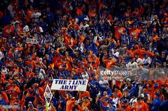 Fans in the Citi Field stands, WS Game 5, Nov 1, 2015