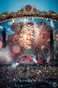 New music festival party tomorrowland 2014 ideas Festival Holi, Festival Gear, Rave Festival, Festival Looks, Festival Party, Festival Lights, Tomorrow Land, Edm Music, Dance Music