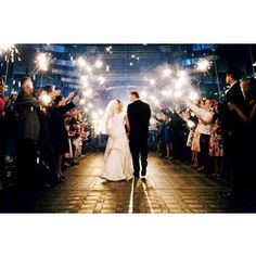 wedding send off - sparklers. must incorporate sparklers! Wedding Send Off, Wedding Exits, Great Gatsby Wedding, Wedding Photos, Dream Wedding, Wedding Day, Wedding Stuff, Summer Wedding, Wedding Ceremony