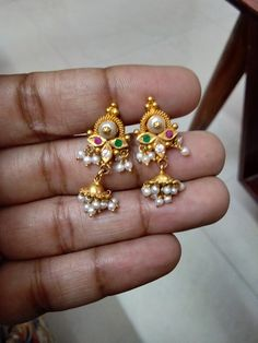 Where To Sell Gold Jewelry For Best Price Product Gold Jhumka Earrings, Jewelry Design Earrings, Gold Earrings Designs, Gold Jewellery Design, Designer Earrings, Pendant Jewelry, Gold Jewelry Simple, Simple Earrings, Jewelry Patterns