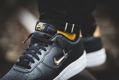 the latest 142f9 02ef5 Nike Air Force 1 07 LV8 Leather (schwarz  gold) - AJ9507-003