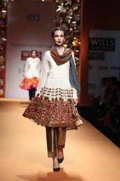 Manish Malhotra's Collection at Wills Lifestyle India Fashion Week Autumn Winter 2013 India Fashion Week, Asian Fashion, Ethnic Fashion, Pakistani Outfits, Indian Outfits, Indian Dresses, Indian Look, Indian Style, Indian Ethnic