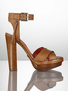 e9063fb17386c4 Sandale Gerine aus Nappaleder - Sandalen Schuhe - Ralph Lauren Deutschland  Frau Mit Hut