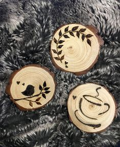 Lovely coaster designs,Lovely coaster designs What is wood burning ? The pine burnt by shading process by moving a picture on wood is known as wooden decoration. In wood bur. Wood Burning Tips, Wood Burning Techniques, Wood Burning Crafts, Wood Burning Patterns, Wood Burn Designs, Wood Design, Wood Slice Crafts, Wood Crafts, Wood Burning Stencils