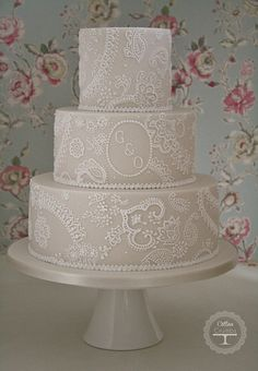 Paisley lace wedding cake by Cotton and Crumbs, via Flickr