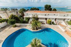 Vacker takvåning med fantastisk havsutsikt i Son Veri, Palma de Mallorca. 2000€/mån.