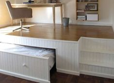 Hidden bed with office on top Small apartments smart solution Small Space Living, Tiny Living, Living Spaces, Living Room, Living Area, Sweet Home, Compact Living, Extra Rooms, Tiny Spaces