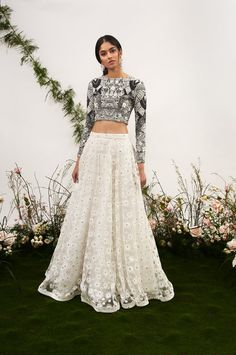How to wear skirts casually outfit ideas street styles 17 ideas Indian Wedding Outfits, Indian Outfits, Dress Wedding, Wedding Ceremony, Indian Attire, Indian Wear, Pakistani Dresses, Indian Dresses, Trendy Dresses