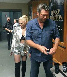 Blake Shelton Gwen Stefani, Blake Shelton And Gwen, Black Shelton, Gwen And Blake, Gwen Stefani Style, Country Songs, Celebs, Celebrities, Celebrity Couples
