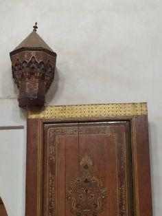 Medina door & lamp