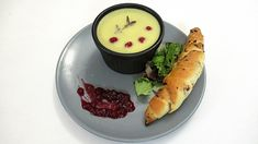 Paštika s domácím pečivem Panna Cotta, Ethnic Recipes, Food, Dulce De Leche, Essen, Meals, Yemek, Eten
