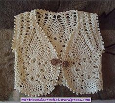 Boléro beige aux motifs hexagonaux and other patterns for sweaters and vests