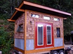 Roof Tiny House On Wheels | ... used with this tiny square home on wheels. You can take it anywhere