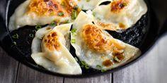 Pierogi chińskie How To Cook Dumplings, Tortellini, Sushi, Favorite Recipes, Cooking, Ethnic Recipes, Food, Baking Center, Eten