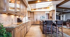 Decorate Your Kitchen With These Simple Tips - Modern Interior Design Small House Decorating, Interior Decorating, Interior Design, Best Under Cabinet Lighting, Engineered Hardwood Flooring, Types Of Flooring, Kitchen Trends, Kitchen Designs, Kitchen Ideas