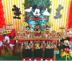 "114 Me gusta, 1 comentarios - Bruno Fogaça|São Paulo (@encontrodefestas) en Instagram: ""Festa Mickey! ⚫️〽️ Por @criandosonhosatelie #encontrodefestas #festainfantil #festamickey…"""