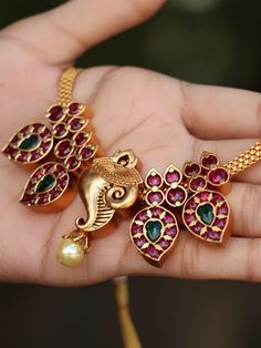 women and in the bible, the exchange dalton gang, gold indian jewelry, jewelry vs jewellery de Gold Bangles Design, Gold Jewellery Design, Beads Jewellery Designs, Antique Jewellery Designs, Fancy Jewellery, Designer Jewellery, Bead Jewellery, Jewelry Patterns, Designer Wear