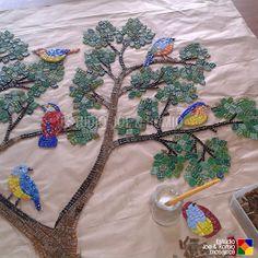 Joe & Romio Mosaics © All Rights Reserved Mosaic Birds, Mosaic Wall Art, Mosaic Bottles, Mosaic Rocks, Mosaic Projects, Mosaic Ideas, Mosaic Madness, Baubles And Beads, Clever Design