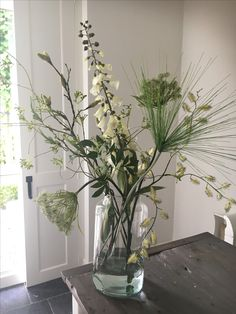 We love it! Close to real! (Silk flowers), We love it! Close to real! Blue Orchids, Phalaenopsis Orchid, Flowers Nature, Silk Flowers, Flower Vases, Flower Art, Rock Decor, Flower Bouquet Wedding, Bridal Bouquets