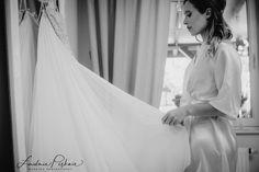 Wedding Photography, Bride, Wedding Dresses, Fashion, Wedding Shot, Wedding Bride, Bride Gowns, Wedding Gowns, Moda