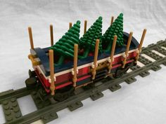 Post with 8661 views. I added some custom wagons to the 10254 Winter Holiday Train Lego Christmas Train, Lego Christmas Village, Lego Winter Village, Christmas Villages, Christmas Cars, Christmas Tree, Christmas Ideas, Christmas 2017, Xmas