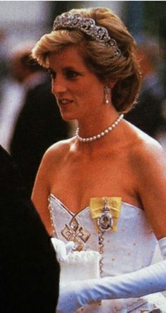 Diana foi a Princesa das princesas. Em todas as suas expressões havia nobreza, mesmo na sua simplicidade. O mundo sempre sentirá a sua ausência tão precoce e covarde.