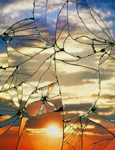 Stunning Photos of Sunsets Projected onto Shattered Mirrors - My Modern Metropolis