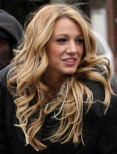 I may look obsessed with Blake lively. But I really just want her hair. Gossip Girls, Gossip Girl Hair, Black Lively, Blonde Hair Goals, Blake Lively Hair, Tips Belleza, Hair Highlights, Gorgeous Hair, Trendy Hairstyles