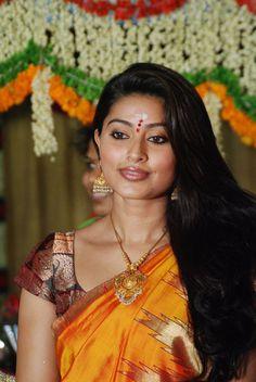 Sneha-latest-stills-in-saree-pics.jpg 685×1,024 pixels